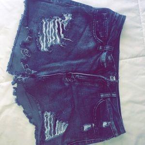 Pants - Black ripped shorts